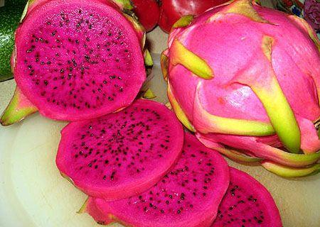 Питайя   - порази свою тарелку латиноамериканскими фруктами. Фрукт питахайяПитайя - Порази свою тарелку латиноамериканскими фруктамиНа прилавках магазинов среди экзотических фруктов можно встр...