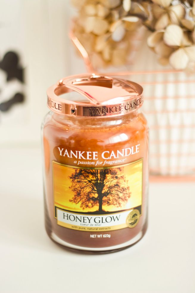 Yankee Candle Honey Glow świeczka zapachowa Classic duża http://www.iperfumy.pl/yankee-candle/honey-glowwieczka-zapachowa-dua/