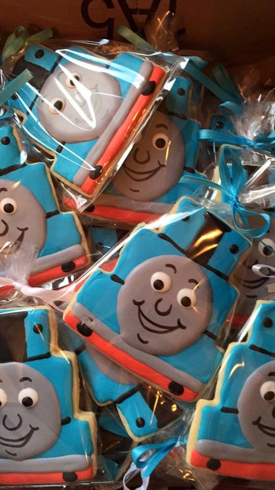 Everybody loves the Thomas! Order these hand decorated party favors for your next birthday party! This listing is for a dozen large (4.5 x 4) sugar cookies. If youd like to add a birthday number cookie, please include those instructions in your order in the message area. All cookies will be individually bagged & tied to maintain freshness. They will be fresh for 2 weeks! The cookies will be carefully packed for safe shipping. Every attempt is made for cookies to arrive in the same shape they…