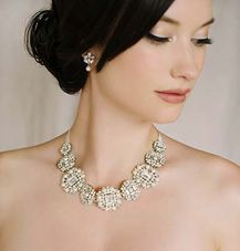 You'll look gorgeous if you wear this design on your big day #bridaljewellery #weddingplanning http://brieonabudget.com/pinterest/