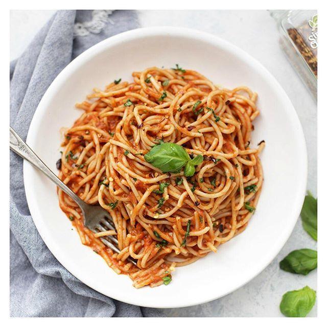 Easy Arrabbiata Pasta  via @feedfeed on https://thefeedfeed.com/onelovelylife1/easy-arrabbiata-pasta