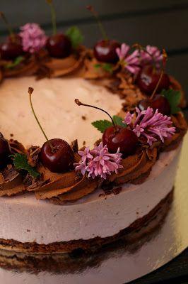 Kakkuviikarin vispailuja!: Suklainen kirsikkajuustokakku