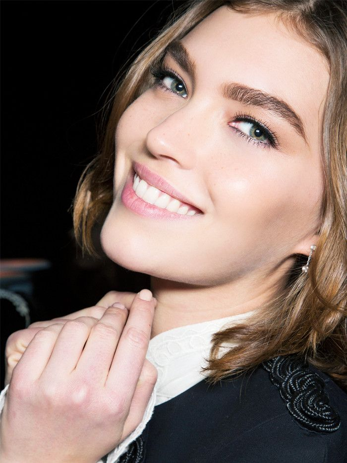 The Flawless Skin Tricks A-List Makeup Artists Always Use via @ByrdieBeautyUK