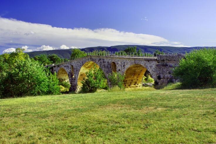Pont Julien - Most Cezara