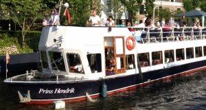 Rondvaartboot van rederij Wolfrat