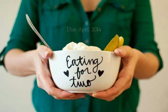 This would be a cute way to let people know your prego !