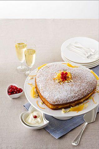 Torta con crema all'arancia e spuma al cioccolato bianco