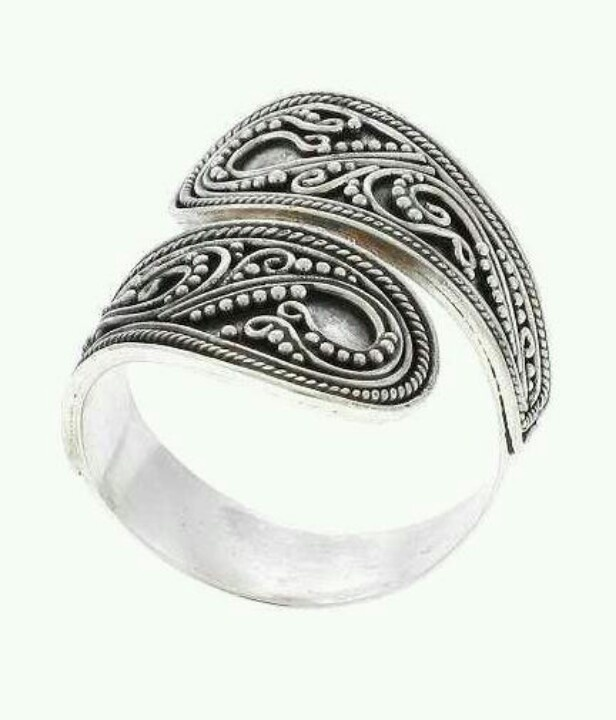 Balinese silver ring..i am obsessed and need to find this ring!!!!