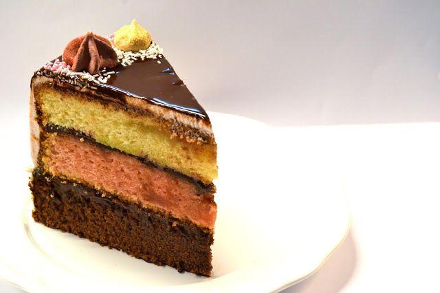 Bolo Escorrido Napolitano || Neapolitan Drip Cake ~ Sabores da Alma