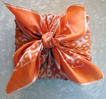 scarf gift wrapping
