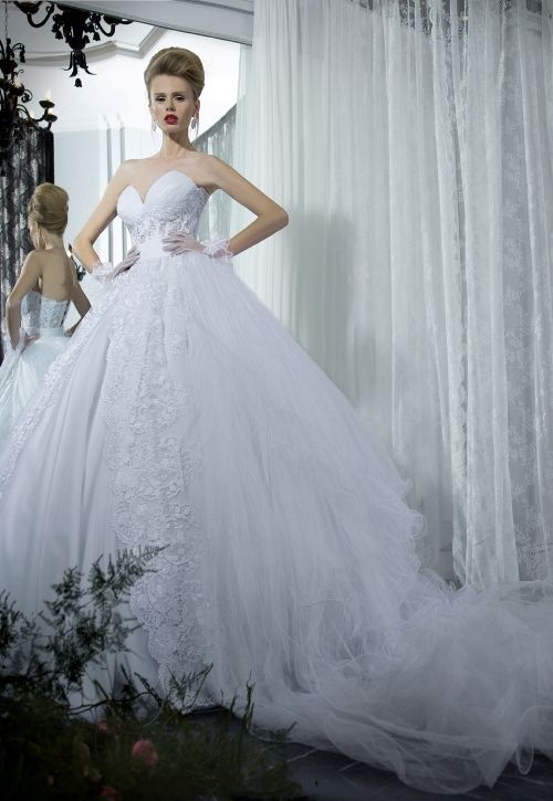 24 best Wedding Dresses images on Pinterest | Short wedding gowns ...