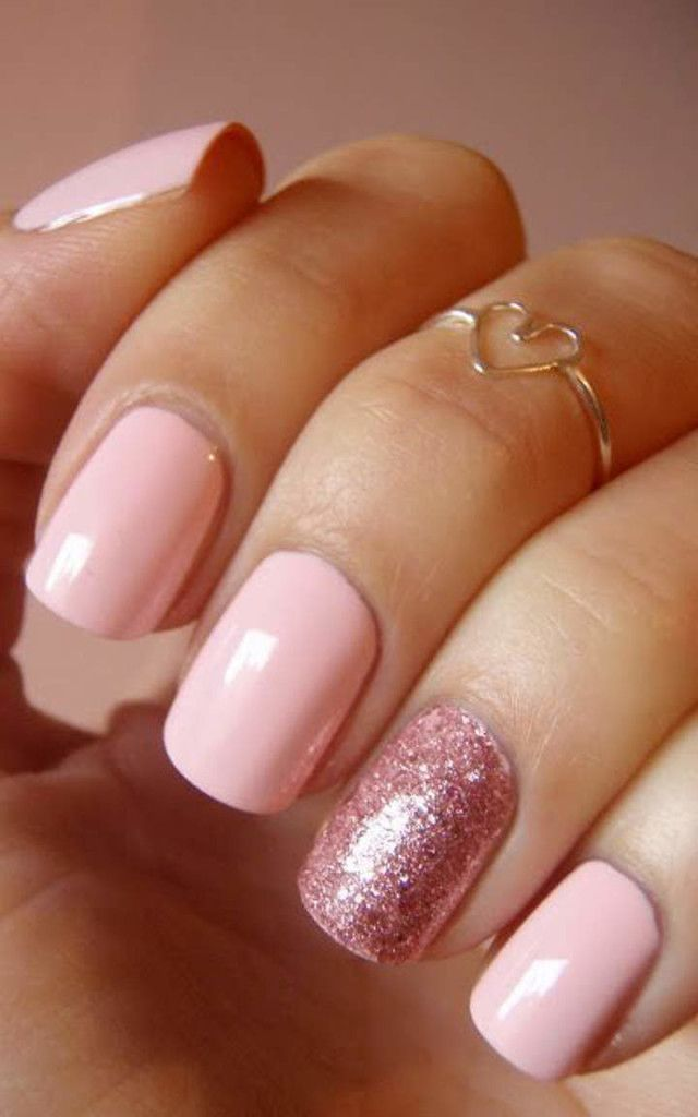 Rose Quartz and Serenity manicures to wear in 2016