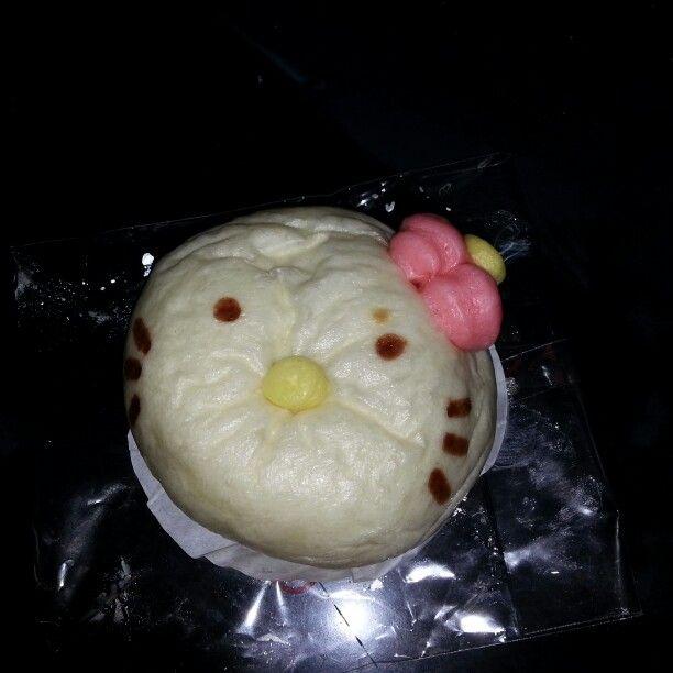 Hello kitty bun