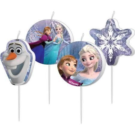 Mini velas de cumpleaños de Frozen, son una chulada, y quedan bien en cualquier tipo de tarta. Las puedes poner sobre una tarta recubierta con crema de queso blanca o azul o fondant en esos colores, con un poco de purpurina comestible, y ya lo tienes listo y bonito! #frozen #fiestafrozen #ideasfrozen #cumpleañosfrozen #decoracionfrozen #cupcakesfrozen #globosfrozen #frozenparty #frozenbday #frozenbirthday #frozendecorations #frozencupcakes