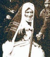 Kahraman Türk kadını Nene Hatun Kurtuluş savaşının en önemli sembollerinden biri olan, kadın olmasına rağmen savaştaki cesur yürekliliğiyle erkekleri bile kıskandıran yürekli bir Türk kadınıdır.