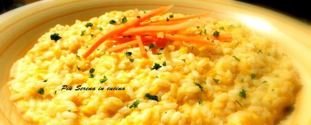 Risotto con carote una tipica ricetta mediterranea dal gusto delicato e semplice nella preparazione