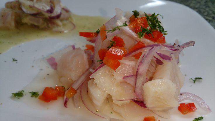Ceviche de corvina, Te gustaría aprender estas y mas técnicas culinarias al lado de nuestros chefs Waxak. #waxakgastronomy. www.chefdecocina.com