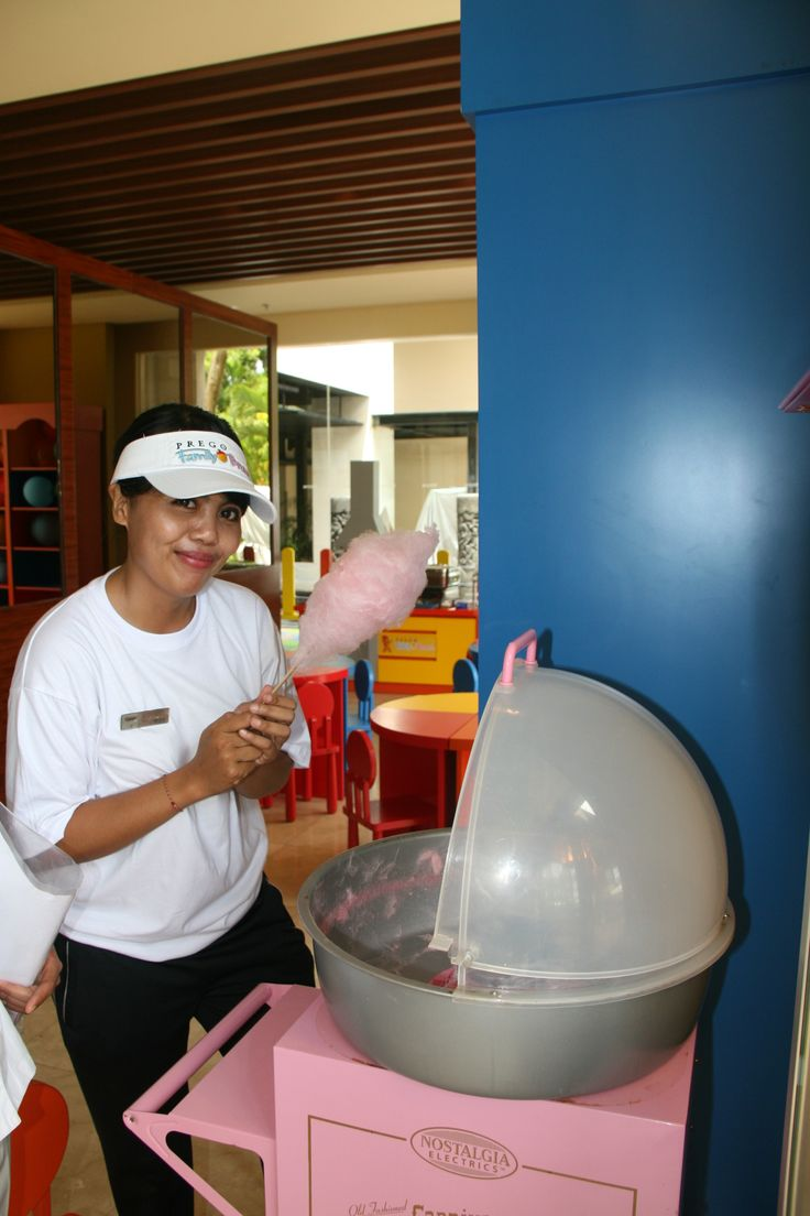 Smile and….action!  Here is our Prego Family Brunch team in action, making a sweet cotton candy for our sweet young guest.  #PregoBali #ItalianRestaurant #Candy