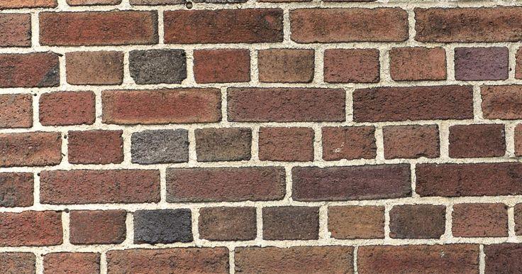 Como calcular a quantidade de tijolos para um muro de contenção. Os tijolos de cerâmica são utilizados em vários tipos de construções de paredes residenciais. No planejamento da construção de paredes altas ou baixas para aterramentos, ou muros de contenção projetados estruturalmente, o projeto deve começar com uma estimativa da quantidade de tijolos necessários para concluí-lo. O método mais comum para fazer ...