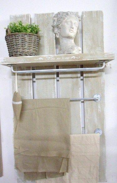 ber ideen zu handtuchtrockner auf pinterest badezimmerheizk rper kleine badezimmer. Black Bedroom Furniture Sets. Home Design Ideas