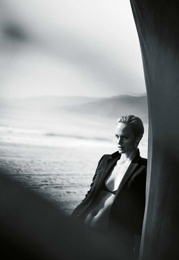 Amber Valletta for Zeit Magazine by Peter Lindbergh 2015 Superior photography! -repinned by Southern California photographer http://LinneaLenkus.com