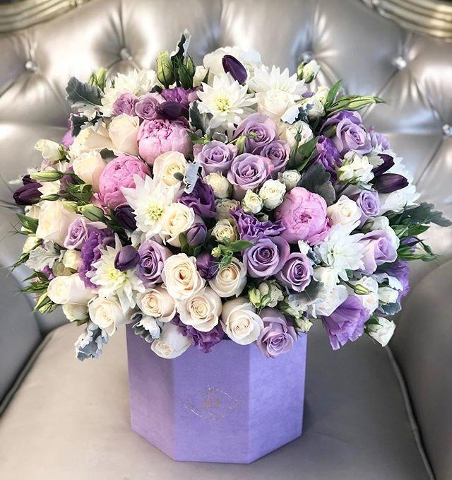 Everyone Loves The Anna Box Flower Arrangements Fresh Flowers Arrangements Luxury Flowers