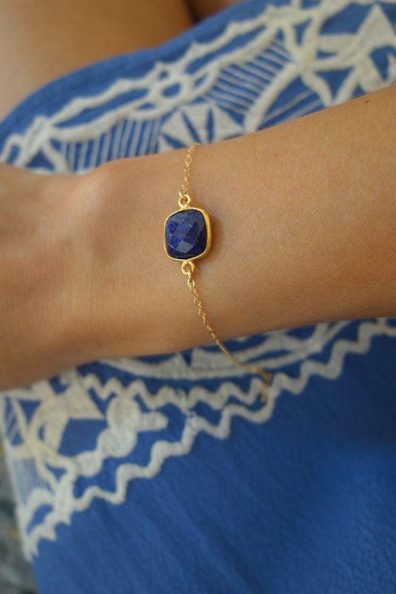 Bracelet or goldfilled pierre lapis lazuli par UneNuitBlanche