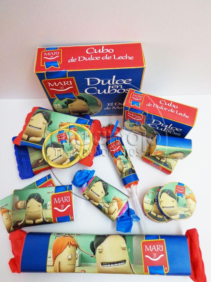 Mesa dulce de Mamá Luchetti, con caldo  de bocaditos de dulce de leche personalizados en cajita.