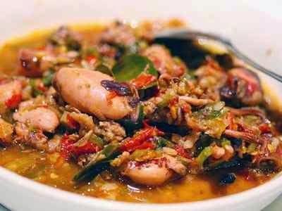Resep Cumi Rica Rica - Ungkap rahasia cara membuat cumi rica rica yang pedas, gurih dan super lezat disini.