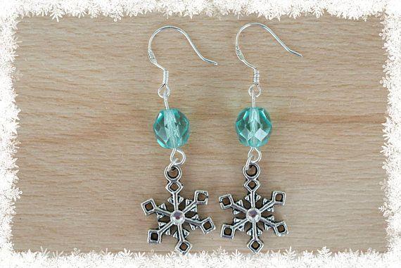 Silver Snowflake Earrings II  Christmas Earrings  Snow