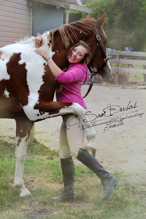 Horse Rider Sharing a hug. Omg I want to take a pic like this!!