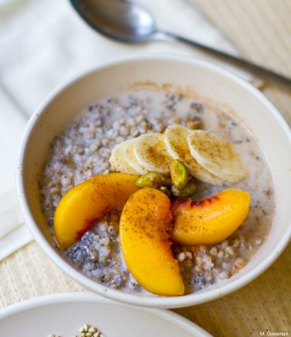 Quinoa au lait chaï pistache, cannelle, brugnons et bananes
