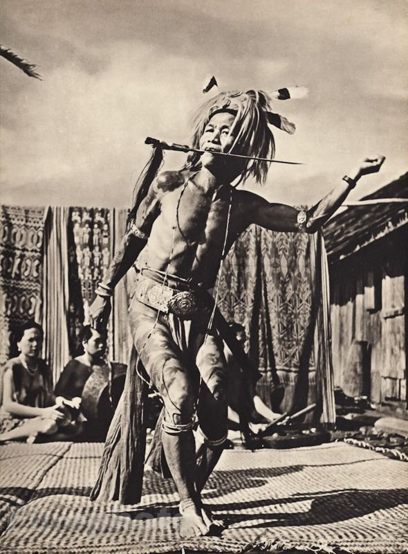 1940+Vintage+BORNEO+SEMI+NUDE+MALE+Tattoo+Iban+Warrior+War+Dance+Photo+K.F.+WONG+#Vintage