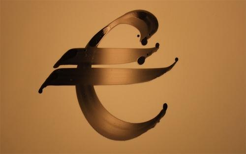 Euro sign shoe  http://www.calligraffiti.nl/