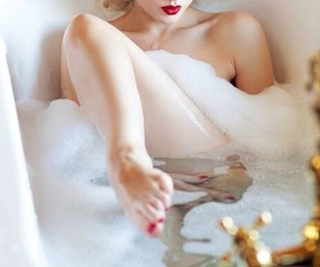 17 best images about boudoir the bath on pinterest for Bathroom hot images