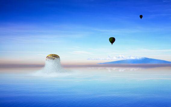 Nieuw in mijn Werk aan de Muur shop: Ballon knalt uit de oceaan