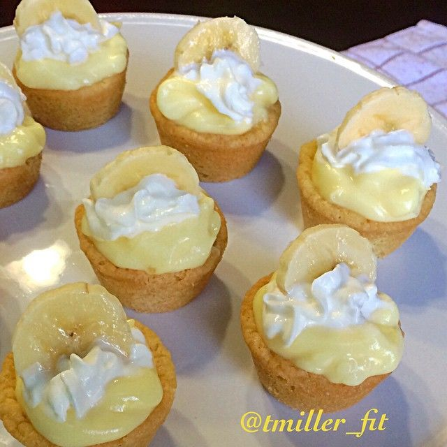 Tag those banana lovers! . Mini Banana Cream Cookie Pies These mini cheat treats are so yummy and a perfect easy dessert to make for your next summer bbq❤️The combination of the cookie and banana pudding is so addicting and they are sure to be a crowd pleaser Ingredients: 1 (16.5 ounce) roll Pillsbury refrigerated sugar cookies 1 (3.4 ounce) banana cream pudding, prepared according to package instructions and chilled 1 banana Whipped cream How To Make: 1⃣Preheat oven to 350F and spray a mini…