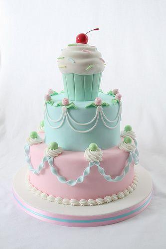 Gâteau à étages pasel
