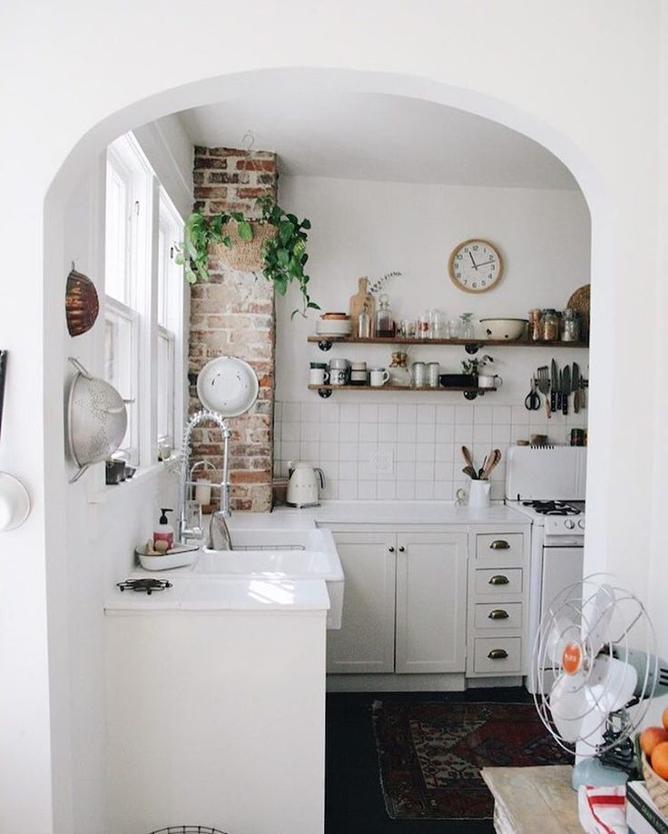 "2,867 Likes, 24 Comments - The Everygirl (@theeverygirl_) on Instagram: ""If you think you've seen @kaitiemoyer's insanely charming kitchen before, it's because you probably…"""