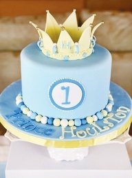 This is a great option too - again, no fondant, but the pattern of the invitation in blue on the exterior with the lettering and the crown on top.