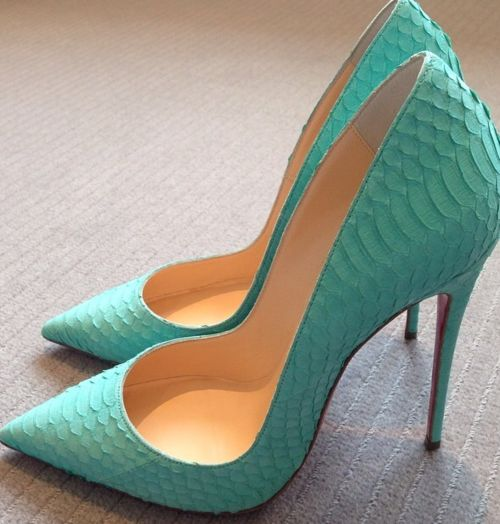 teal aqua aquamarine turquoise high heel shoes stilettos Sexy heels! Love sexy…