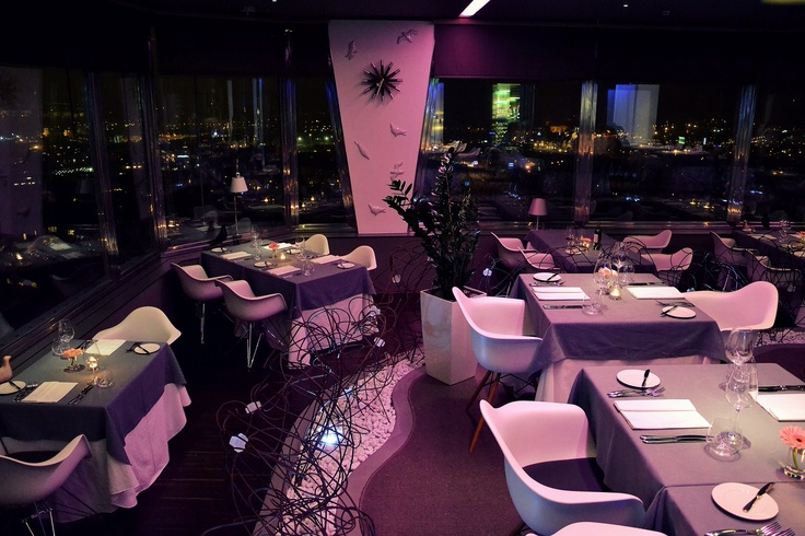 Restaurant in the night_www.oblaca.cz_dsc_0179