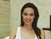 Photos-Angelina-Jolie-has-Chicken-Pox