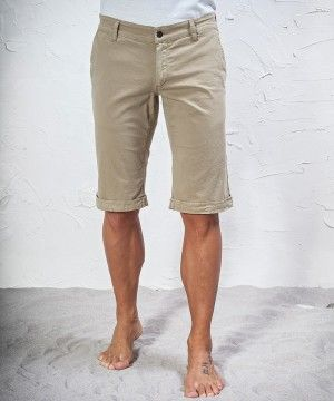 #45parallelo: beige #bermudas made in #stretch fabric, dyed for a #worn effect, 96% Cotton and 4% Elastan