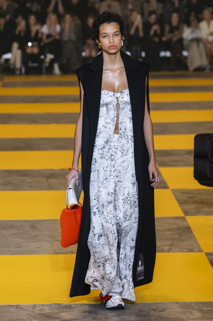 Off-White FallWinter 2019 – Paris Fashion Week  Fall, offwhite fall/winter 2019/…