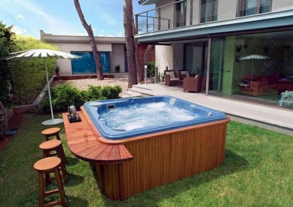 Portable hot tub for outdoors garden bar counter bar stool