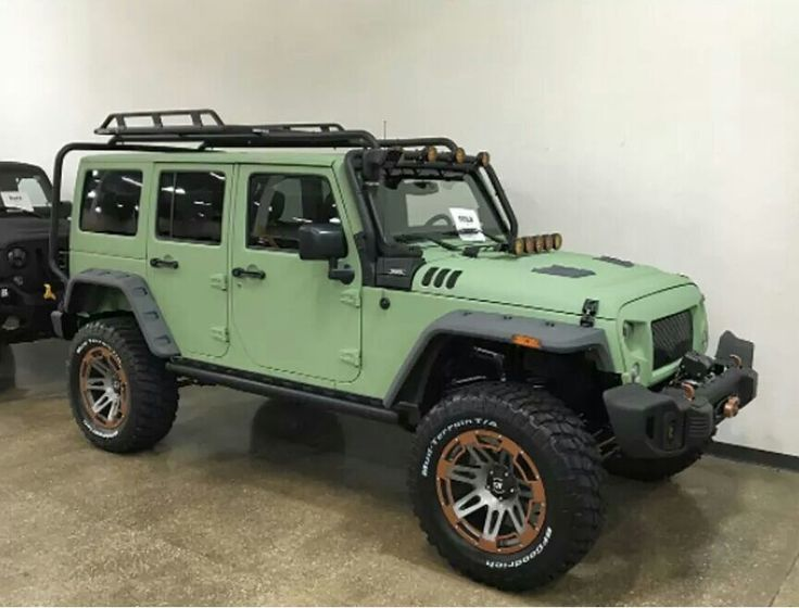 Really want this roof rack and lights! can anyone help me? #jeep #jeeplife #Wrangler #jeeps #Cherokee #JeepMafia #offroad #4x4