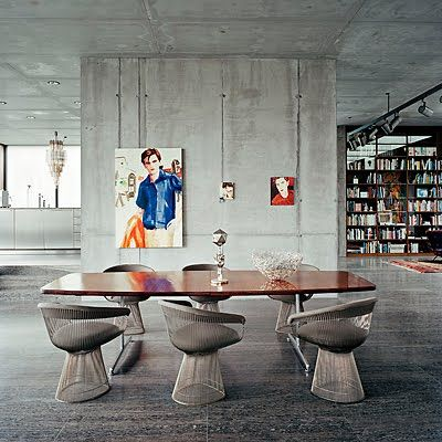 velvety concrete: Dining Rooms, Interiors Wall, Berlin, Dining Chairs, Interiors Design, Platner Chairs, Contemporary Art, Side Chairs, Air Raid