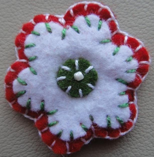 kokárda - virág alakú - az öltéseket tanultuk