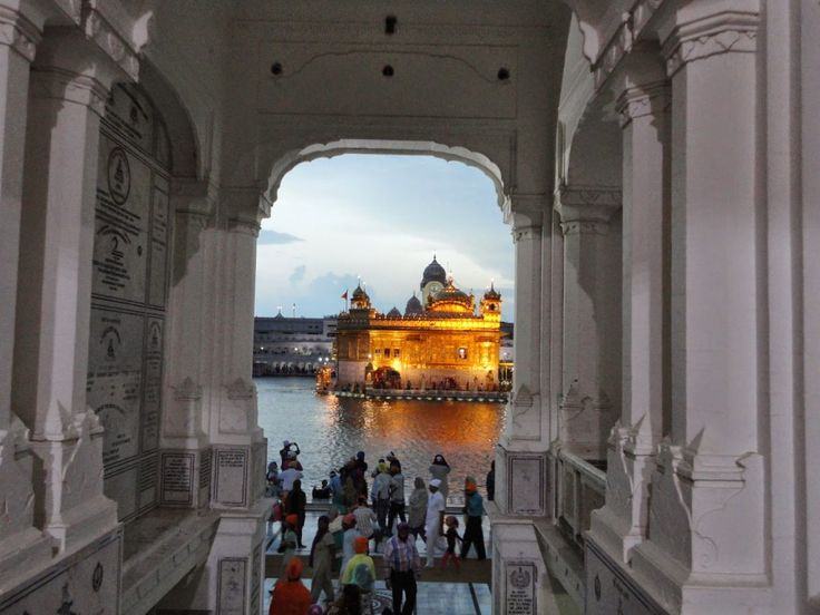 The Golden Temple looks even more beautiful at night. The water glistens. #Amritsar #India